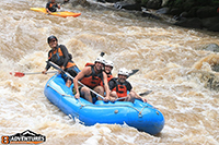 the best 10 kms white water rafting the Mae Tang River