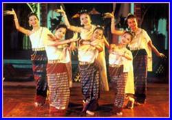 Khum Khantoke Chiang Mai (Khantoke dinner & Hill tribe show)