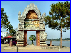 Chiangrai & Golden Triangle (optional+Boat trip + Longneck tribe)