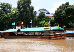 Boat Trip along Maeping River Cruise