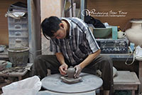 Sankamphang Home industry see how to make the famous local handicraft such as Thai silk , wood carving, silverware, lacquerware and the most famous speciality of this village-umbrella making.