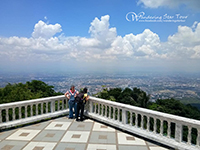 Doi Suthep sits a good thousand meters above the surrounding landscape, so it is a great place to view the countryside.