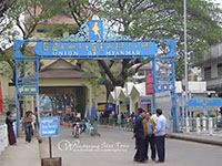 Visit the big market at Mae Sai-the border town with Myanmar.