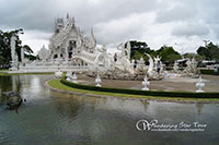A white stunning picturesque chapel always amazes travelers. You can enjoy taking pictures of one of the most beautiful temple in Thailand which its uniqueness in white color