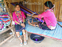 Visit Karen long neck tribe who wear brass neck-ring where you will meet The Karen Long Neck (Padaung) Akha and Lahu at this village.