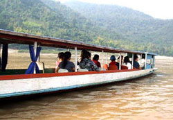 Package By Slow Boat to Luang Prabang - Start 19.00 - 19.30 pm. (Stay Overnight at Chiang Khong and Pak Bang village)
