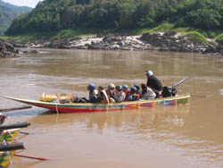 Package by Speed Boat to Luang Prabang - Start 09.30-10.00 pm. (Two days Trip)