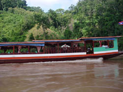 Package by Slow Boat Chiang Mai - Luang Prabang - Start 09.30 - 10.00 am. ( 3 days trip)