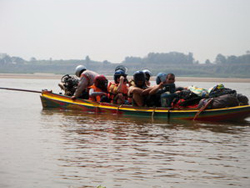 Package 2 days 1 night Chiang Mai to Luang Prabang by Speed Boat (Visit Wat Rongkhun (White Temple), Stay Overnight at Chiang Khong)