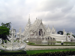 One the way to Chiang Khong we will visit The white Temple (Wat Rong Khun)